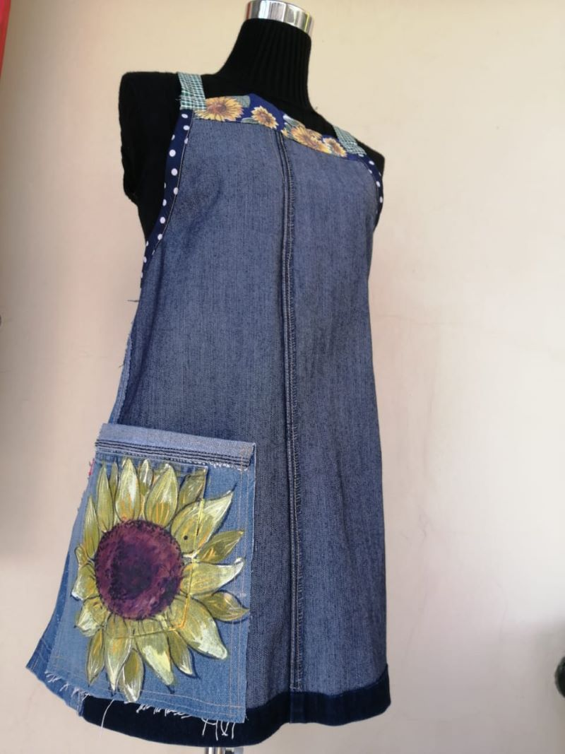 denim apron with sunflower on pocket